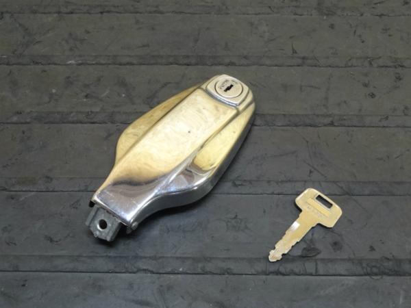 【150205】SR400(1JR)◆タンクキャップ 鍵付 | 中古バイクパーツ通販・買取 ジャンクヤード鳥取 JunkYard