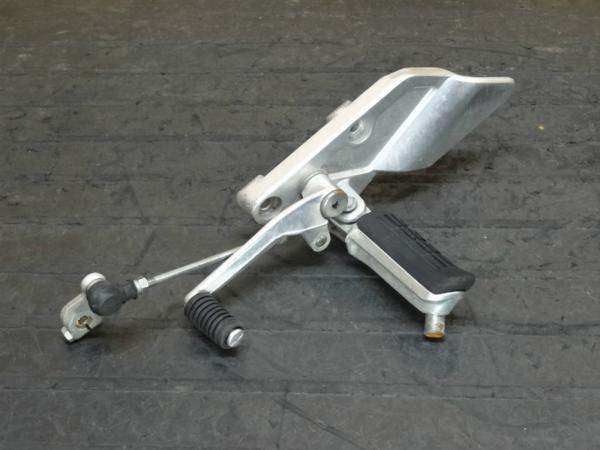 【150220】CB1300SF(SC54)◆メインステップ左 シフトペダル 難有 | 中古バイクパーツ通販・買取 ジャンクヤード鳥取 JunkYard