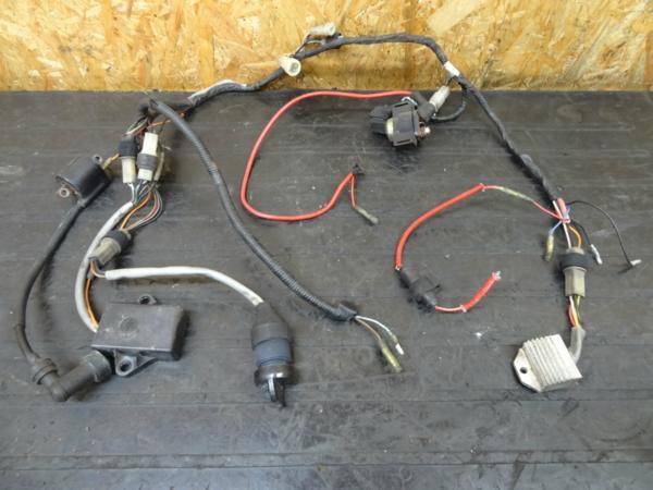 【150507】YF100M(3GB)◎CDIレギュレター メインSW電装 難有 | 中古バイクパーツ通販・買取 ジャンクヤード鳥取 JunkYard