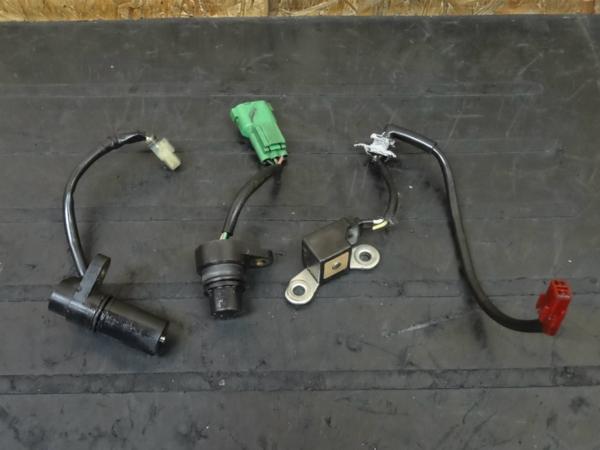 【150518】CBR1000RR'05(SC57)◆センサー セット 【エンジン | 中古バイクパーツ通販・買取 ジャンクヤード鳥取 JunkYard