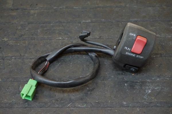 【150901】GPZ1100(ZXT10E)◇ハンドルスイッチ 右 キルスイッチ   中古バイクパーツ通販・買取 ジャンクヤード鳥取 JunkYard