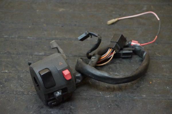 【150901】GPZ1100(ZXT10E)◇ハンドルスイッチ 左 チョーク   中古バイクパーツ通販・買取 ジャンクヤード鳥取 JunkYard