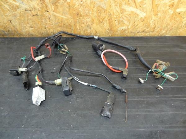 【151009】ベンリィCD90(HA03)◆メインハーネス CDI コイル 12V | 中古バイクパーツ通販・買取 ジャンクヤード鳥取 JunkYard