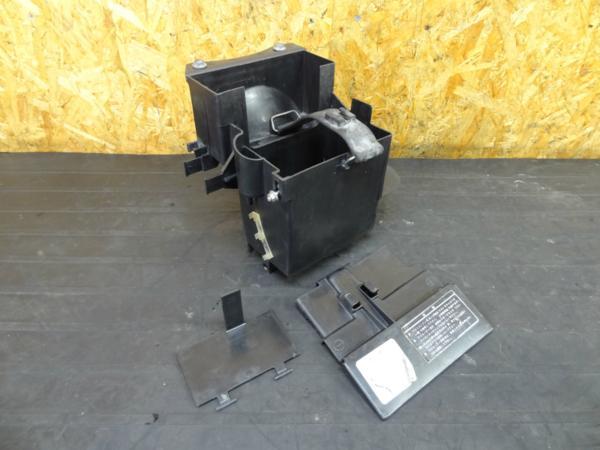 【151022】CBR750(RC27)◆バッテリーボックス ケース | 中古バイクパーツ通販・買取 ジャンクヤード鳥取 JunkYard