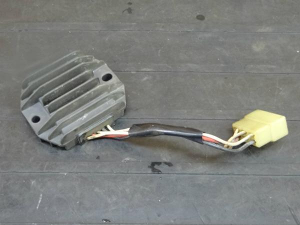【170115】SR400(1JR-337)◆レギュレター レギュレーター 電装 | 中古バイクパーツ通販・買取 ジャンクヤード鳥取 JunkYard