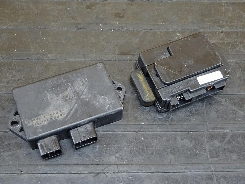 【200416】ZRX-Ⅱ(ZR400E-340)◇ CDI イグナイター ジャンクションボックス ヒューズボックス 【ZRX400 | 中古バイクパーツ通販・買取 ジャンクヤード鳥取 JunkYard