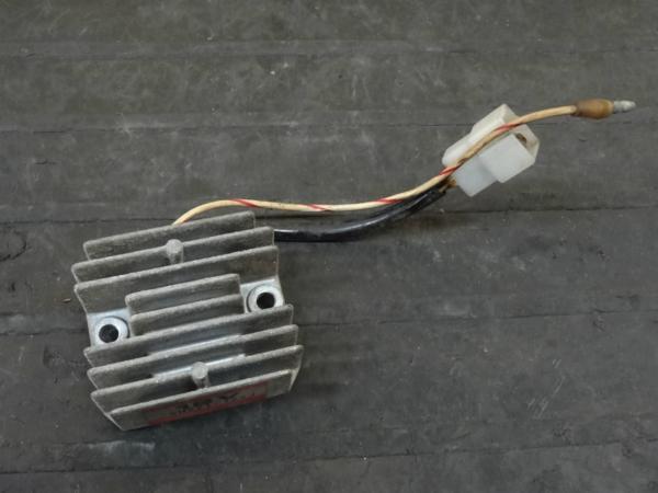 【141006】Z650LTD(KZ650D)◇レギュレター レギュレーター | 中古バイクパーツ通販・買取 ジャンクヤード鳥取 JunkYard