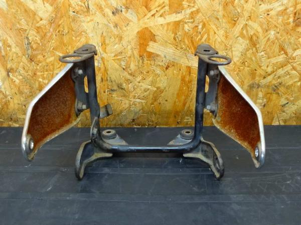 【150803】SRV250(4DN)◎ヘッドライトステー ウインカーステー | 中古バイクパーツ通販・買取 ジャンクヤード鳥取 JunkYard