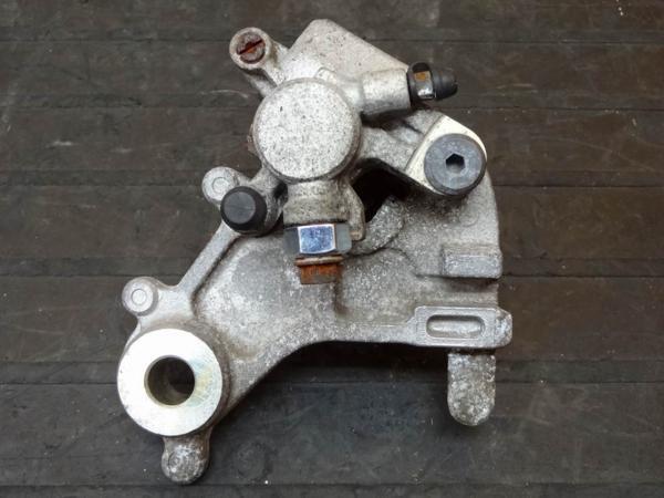 【150830】SL230(MD33)◎リアブレーキキャリパー | 中古バイクパーツ通販・買取 ジャンクヤード鳥取 JunkYard