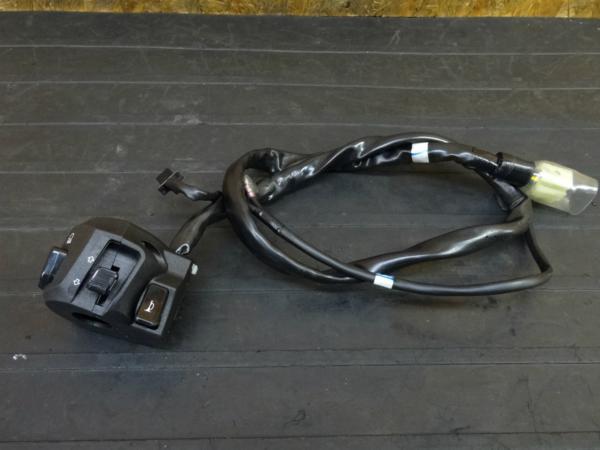 【170123】YZF-R25(RG10J-016)◇ハンドルスイッチ 左 ウインカースイッチ | 中古バイクパーツ通販・買取 ジャンクヤード鳥取 JunkYard