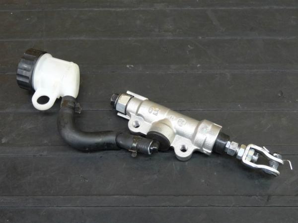 【170123】YZF-R25(RG10J-016)◇リアブレーキマスター シリンダー 1/2   中古バイクパーツ通販・買取 ジャンクヤード鳥取 JunkYard