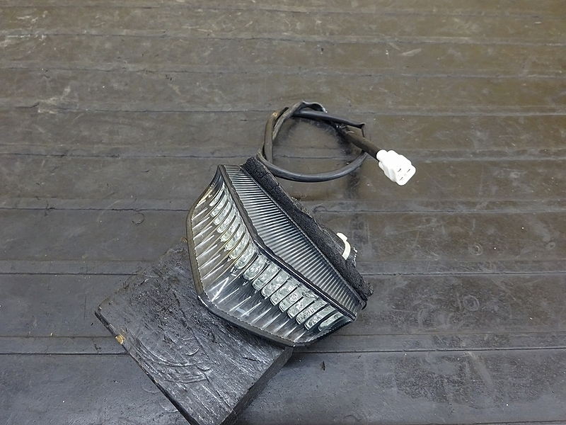 【190227.Y】WR250X(DG15J-001)● テールランプ ブレーキランプ | 中古バイクパーツ通販・買取 ジャンクヤード鳥取 JunkYard