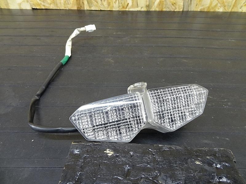 【190325.Y】YZF-R6 '04★ テールランプ LEDストップランプ '03'05にも? 【5SLB RJ091 5SL | 中古バイクパーツ通販・買取 ジャンクヤード鳥取 JunkYard