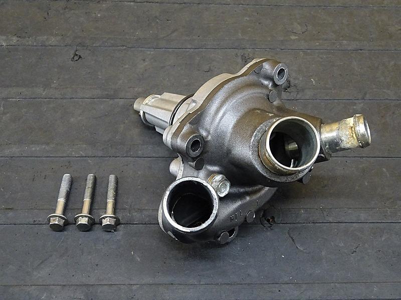 【200319】CBR1000RR(SC59-1200)■ ウォーターポンプ 【エンジンパーツ | 中古バイクパーツ通販・買取 ジャンクヤード鳥取 JunkYard