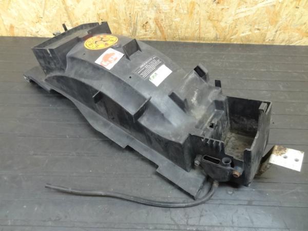 【140716】ZZR1100(ZXT10C)◎リアインナーフェンダー | 中古バイクパーツ通販・買取 ジャンクヤード鳥取 JunkYard