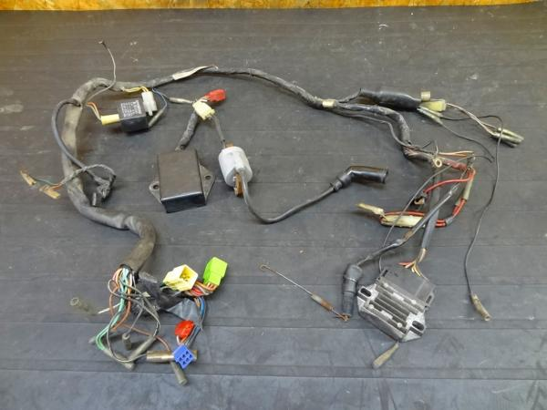 【150912】DR250(SJ41A)◇メインハーネス レギュレター CDI難有 | 中古バイクパーツ通販・買取 ジャンクヤード鳥取 JunkYard