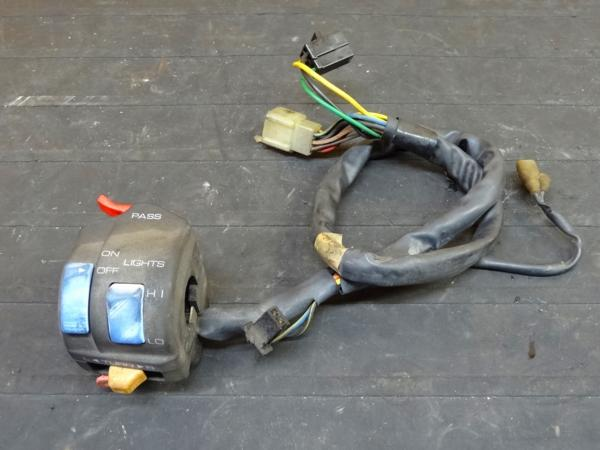 【151002】FZR400RR(3TJ)◎ハンドルスイッチ左 灯火類   中古バイクパーツ通販・買取 ジャンクヤード鳥取 JunkYard