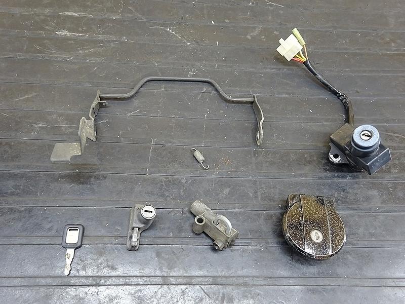 【190522.K】GPZ400F(ZX400A)● キーセット タンクキャップ イグニッション メインキー 【GPZ400 | 中古バイクパーツ通販・買取 ジャンクヤード鳥取 JunkYard