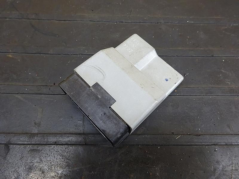 【190627.H】VTR250(MC33-1201)● CDI イグナイター | 中古バイクパーツ通販・買取 ジャンクヤード鳥取 JunkYard