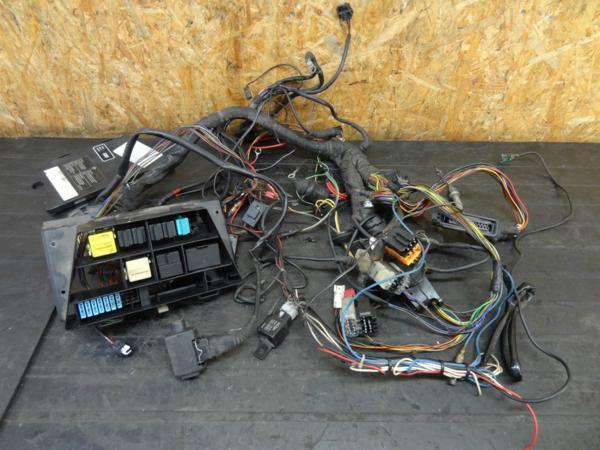 【160425】BMW R1100R◆リレーセット メインハーネス 電装 | 中古バイクパーツ通販・買取 ジャンクヤード鳥取 JunkYard