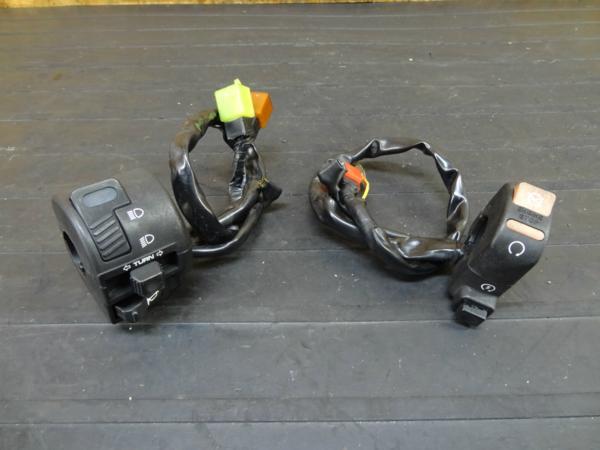 【160928】XR250(MD30)◆ハンドルスイッチ 左右 キル/セル | 中古バイクパーツ通販・買取 ジャンクヤード鳥取 JunkYard