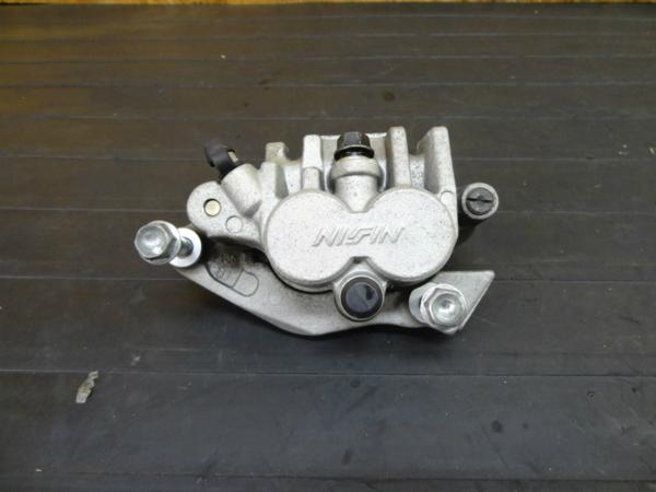 【160928】XR250(MD30)◆フロントブレーキキャリパー 102mm | 中古バイクパーツ通販・買取 ジャンクヤード鳥取 JunkYard