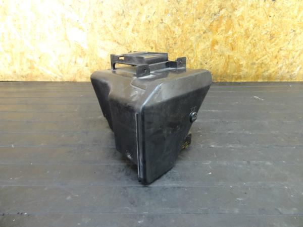 【161026】VF750セイバー(RC07)◆小物入れ ツールボックス | 中古バイクパーツ通販・買取 ジャンクヤード鳥取 JunkYard