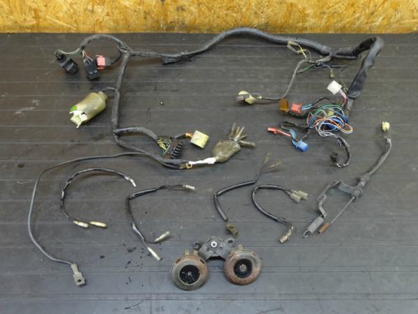 【161206】CB400FOUR(NC36)◆メインハーネス リレー スイッチ | 中古バイクパーツ通販・買取 ジャンクヤード鳥取 JunkYard