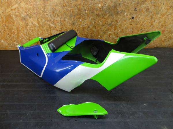 【170530】ZXR400(ZX400H-002)◆シートカウル テール/リア 難有 | 中古バイクパーツ通販・買取 ジャンクヤード鳥取 JunkYard