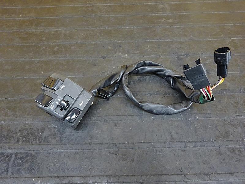 【200406】ZX-6R('13 ABS)◇ ハンドルスイッチ左 スイッチボックス左 【ニンジャ Ninja ZX636F | 中古バイクパーツ通販・買取 ジャンクヤード鳥取 JunkYard