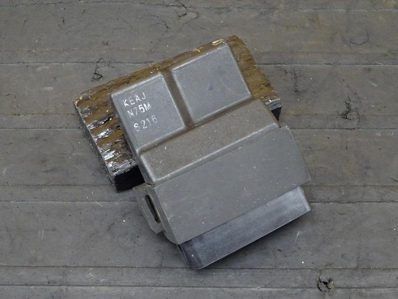 【200930】ホーネット250(MC31-1400)■ CDI イグナイター 【後期 燃料メーター付 | 中古バイクパーツ通販・買取 ジャンクヤード鳥取 JunkYard