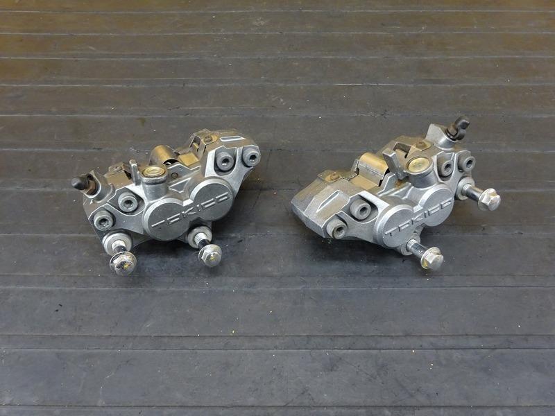 【210621】ZXR400(ZX400L-306)■ フロントブレーキキャリパー左右セット TOKICO 【ZXR400R   中古バイクパーツ通販・買取 ジャンクヤード鳥取 JunkYard