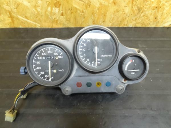 【141014】FZR250(2KR)◎メーターユニット スピード タコ | 中古バイクパーツ通販・買取 ジャンクヤード鳥取 JunkYard