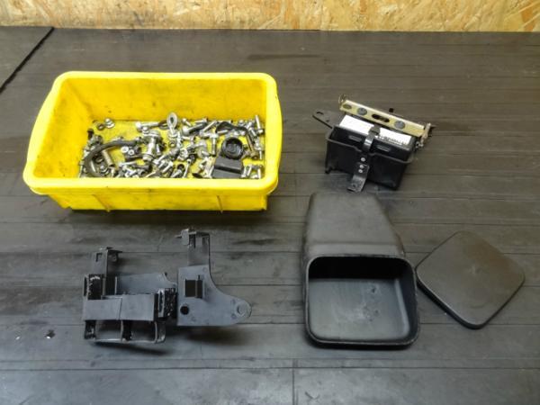 【150122】NS400R(NC19)◆ツール/バッテリーボックス ボルトset | 中古バイクパーツ通販・買取 ジャンクヤード鳥取 JunkYard