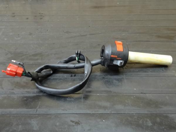 【150122】NS400R(NC19)◆ハンドルスイッチ右 ライトスイッチ | 中古バイクパーツ通販・買取 ジャンクヤード鳥取 JunkYard