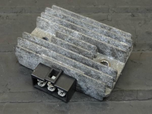 【141210】ZXR400(ZX400H)◎レギュレター レギュレーター   中古バイクパーツ通販・買取 ジャンクヤード鳥取 JunkYard