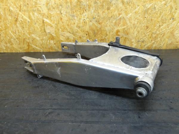 【150317】ZXR400(ZX400L)◆スイングアーム ピボットシャフト | 中古バイクパーツ通販・買取 ジャンクヤード鳥取 JunkYard