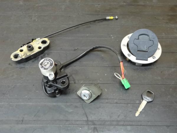 【150407】SV400S(VK53A)◆キーセット メインスイッチ 鍵 | 中古バイクパーツ通販・買取 ジャンクヤード鳥取 JunkYard