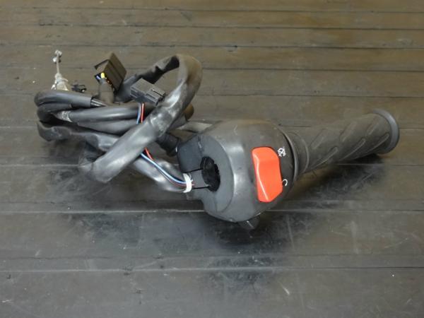【150407】SV400S(VK53A)◆ハンドルスイッチ右 セル/キルS/W | 中古バイクパーツ通販・買取 ジャンクヤード鳥取 JunkYard