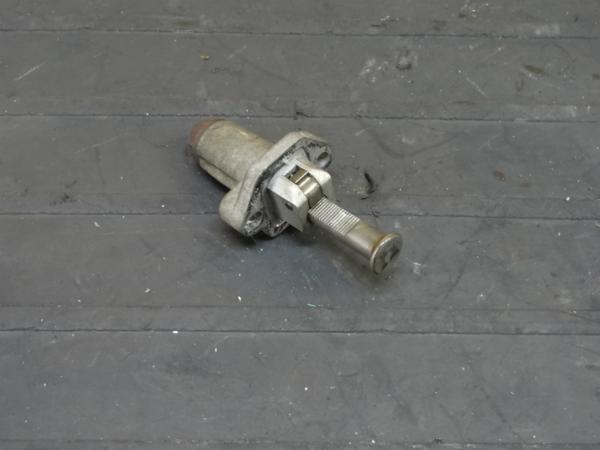 【160413】FZR250R(3LN)◆テンショナー 難有【エンジンパーツ | 中古バイクパーツ通販・買取 ジャンクヤード鳥取 JunkYard