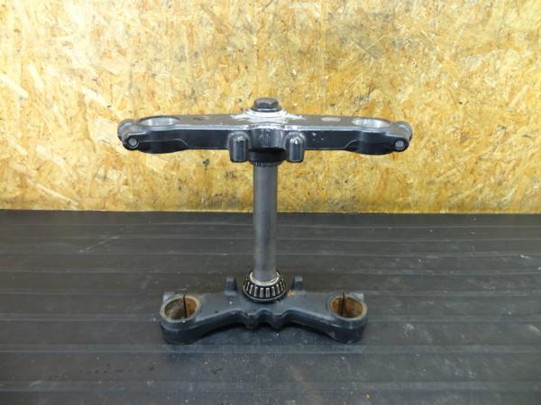 【160715】GSX750S刀-3型(GR72A)◆ステアリングステム アンダー | 中古バイクパーツ通販・買取 ジャンクヤード鳥取 JunkYard