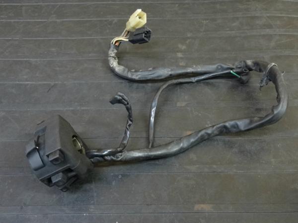 【170117】CBR400RR(NC29-1052)◇ハンドルスイッチ 左 ライトON/OFFスイッチ ウインカースイッチ | 中古バイクパーツ通販・買取 ジャンクヤード鳥取 JunkYard