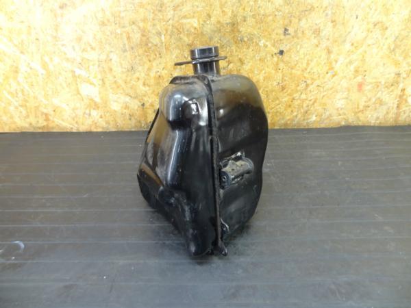【170305】FZR250(2KR)◆ガソリンタンク 燃料 難有 | 中古バイクパーツ通販・買取 ジャンクヤード鳥取 JunkYard