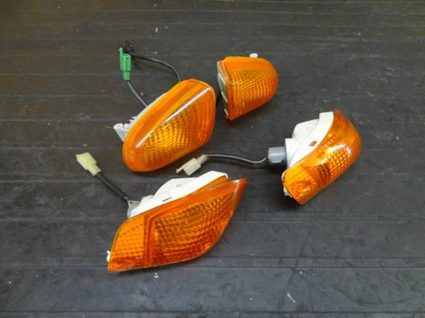 【170810】ZZR1100(ZXT10D-021)◆ウインカー フロント/リア 難有 | 中古バイクパーツ通販・買取 ジャンクヤード鳥取 JunkYard
