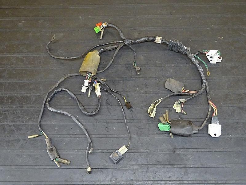 【200331】マグナ50(AC13-1103)■ メインハーネス レギュレーター 【MAGNA | 中古バイクパーツ通販・買取 ジャンクヤード鳥取 JunkYard