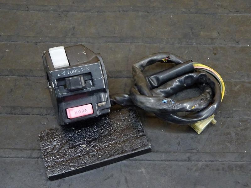 【200904】TZR250 '90 (3MA-046)◇ ハンドルスイッチ左 スイッチボックス左 | 中古バイクパーツ通販・買取 ジャンクヤード鳥取 JunkYard