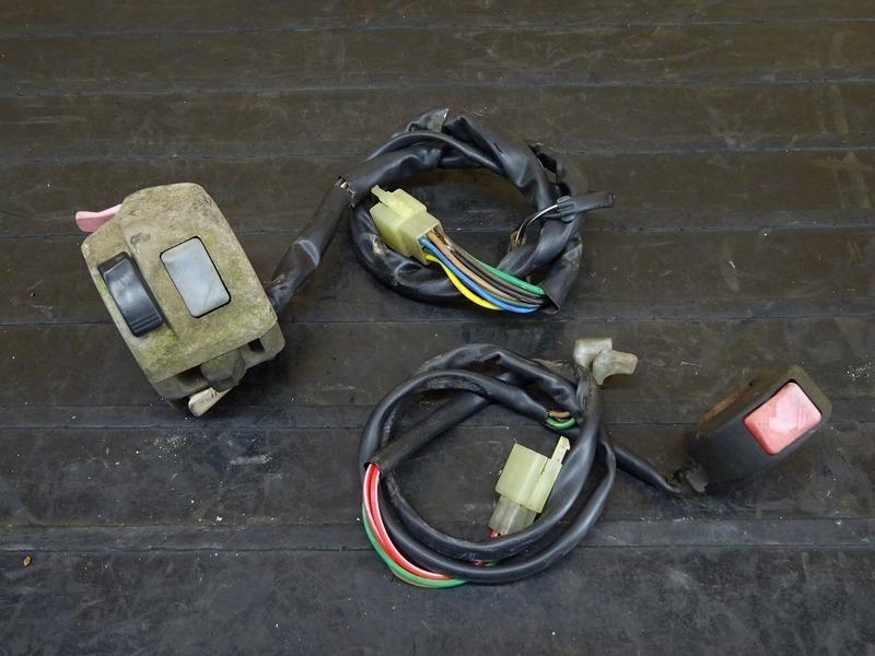 【201125】TZR250R(3XV-004)◇ ハンドルスイッチ 左右セット スイッチボックス ジャンク?   中古バイクパーツ通販・買取 ジャンクヤード鳥取 JunkYard