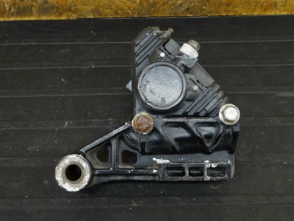 【160713】RZ250R(29L)◇リアブレーキキャリパー サポート 難有 | 中古バイクパーツ通販・買取 ジャンクヤード鳥取 JunkYard