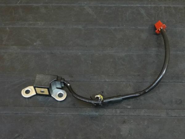【170413】CBR600RR '05(PC37)逆車◇ピックアップコイル 【後期 エンジン | 中古バイクパーツ通販・買取 ジャンクヤード鳥取 JunkYard