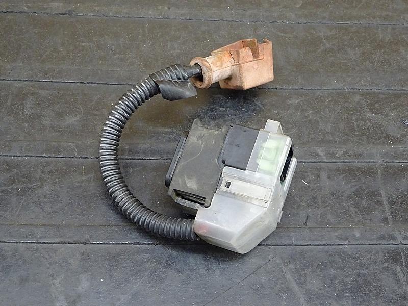 【200302】GSX400インパルス(GK7CA-100)■ スターターリレー スタータースイッチ マグネットスイッチ | 中古バイクパーツ通販・買取 ジャンクヤード鳥取 JunkYard